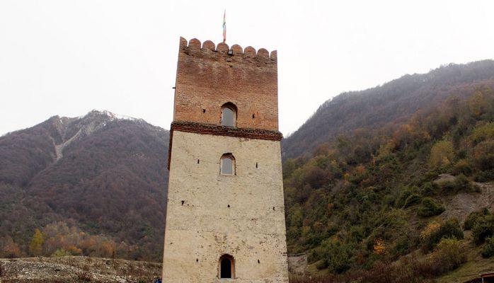 Легендарная крепость в Илису: как доказать ее древность туристам