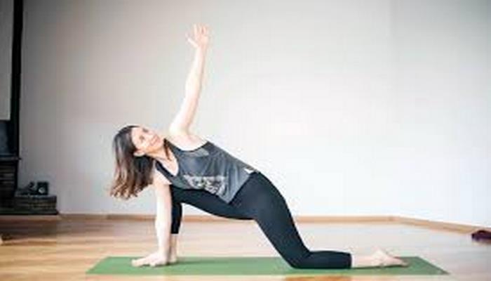 Evde Stresle Baş Etmenin Yollarından Birisi: Yoga