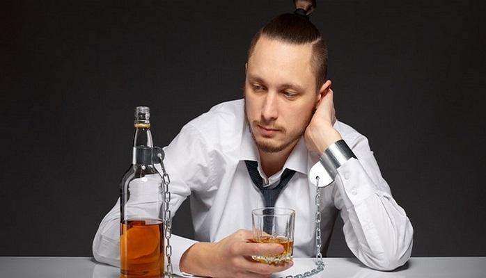 İçki içdiyiniz gün başağrı dərmanı qəbul etməyin - Qəfil ölüm baş verə bilir