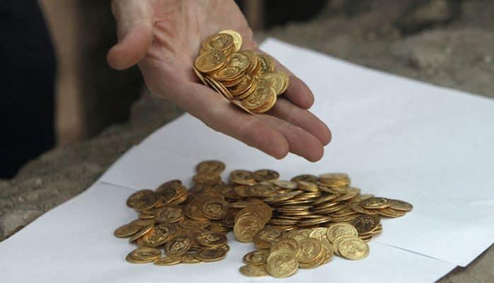 Индус нашел клад на участке, который купил на лотерейный выигрыш -