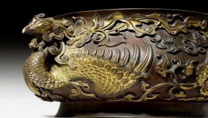 Çin imperatorunun milyonlarla dəyəri olan vazası İsveçrədə tapıldı