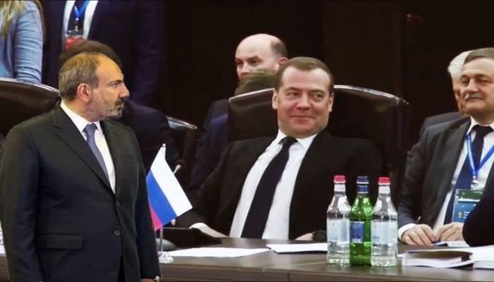 Medvedev Paşinyana lağ etdi
