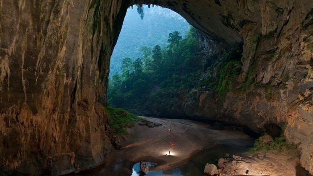 Şondonq- dünyada ən böyük mağara