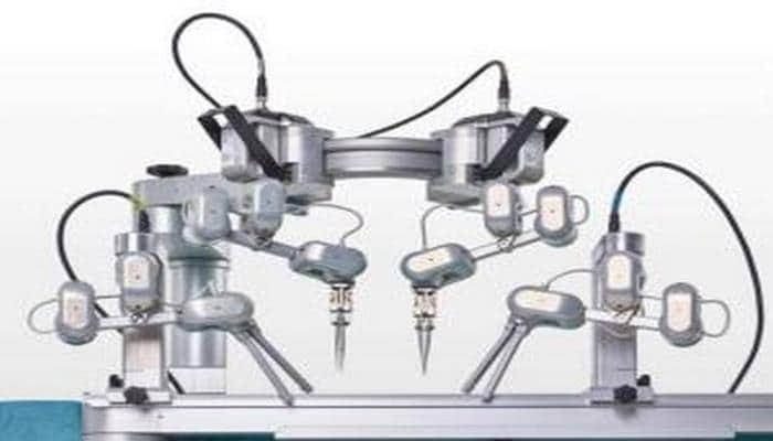 Alimlər diametri 0.3 mm-dək olan damarları tikə bilən robot hazırlayıblar