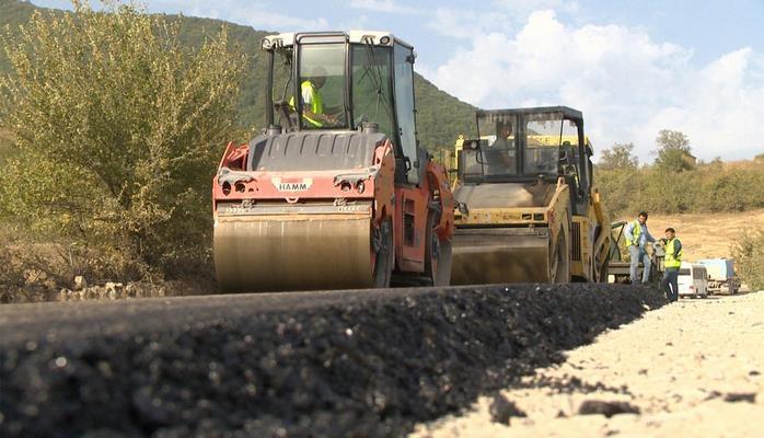 В Шамахинском районе завершается реконструкция автодороги