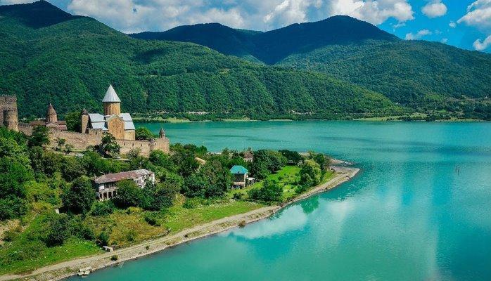 Все больше граждан Азербайджана совершают поездки в Грузию