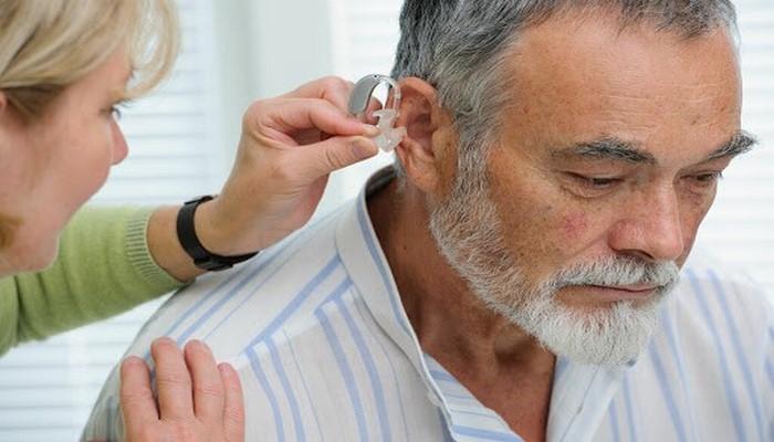 Генетики узнали, что снижает качество слуха у пожилых