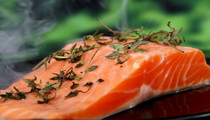 Эксперт назвал преимущества употребления жирной рыбы