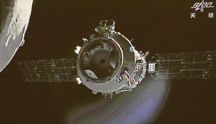 """Китай в 2019 году выведет с орбиты космическую лабораторию """"Тяньгун-2"""""""