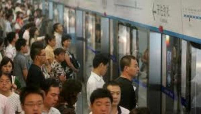 Koronavirusun başladığı Uhanda metro açıldı