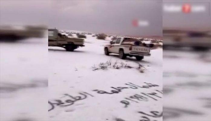 В Саудовской Аравии выпал снег и град