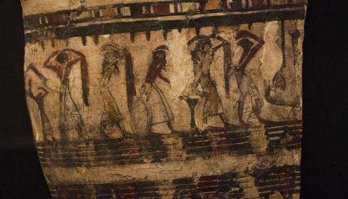 Археологи обнаружили саркофаг с изображением леопарда