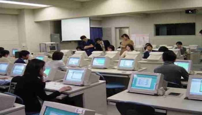 В школах Южной Кореи новый учебный год начался в удаленном режиме