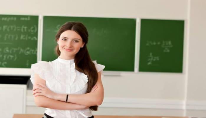 В этом году среднемесячная зарплата учителей в Азербайджане достигла 600 манатов