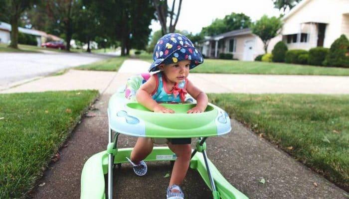 Yürüteç Bebeklere Zararlı Mı? Yürütecin Zararları Nelerdir?