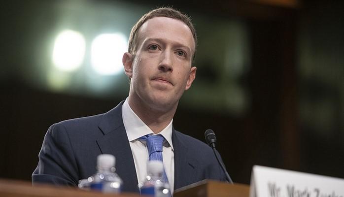 Цукерберг запретил iPhone в офисе Facebook