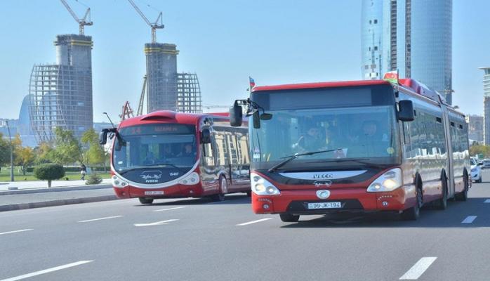 В Баку завтра автобусы будут работать до часу ночи