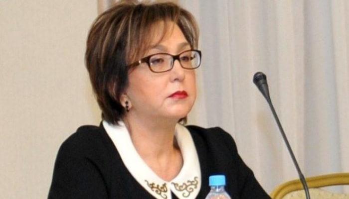 Малейка Аббасзаде на примере математической задачи рассказала об опасности коронавирусной пандемии