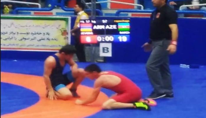 Азербайджанский борец обыграл армянина и стал обладателем бронзовой медали