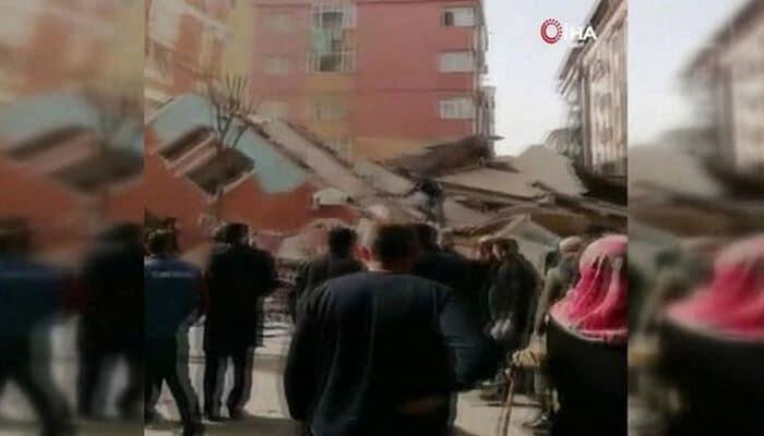 В Стамбуле рухнул семиэтажный дом -