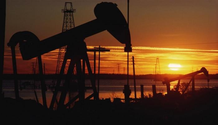 Цена нефти Brent падает более чем на 7%