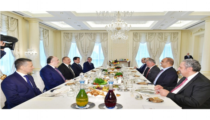 Состоялся рабочий обед Президента Азербайджана с Королем Иордании