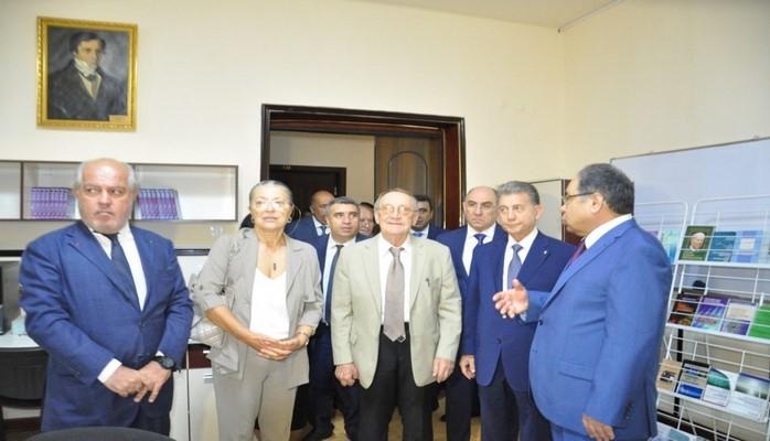 В БГУ открылся мемориальный барельеф академика Гасана Абдуллаева