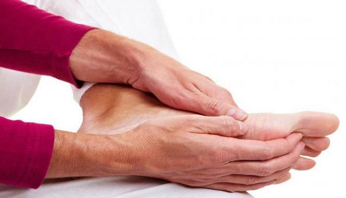 Ayaqlarda ağrılar bağırsaq xərşənginin simptomu çıxdı