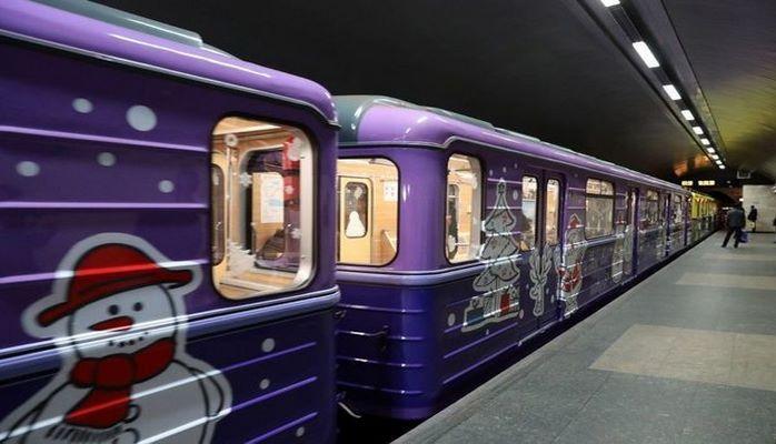 Бакинский метрополитен готовит новогодние сюрпризы для пассажиров