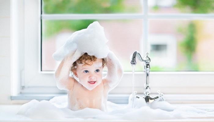 Bebekleri her gün yıkanmak zararlı mıdır?