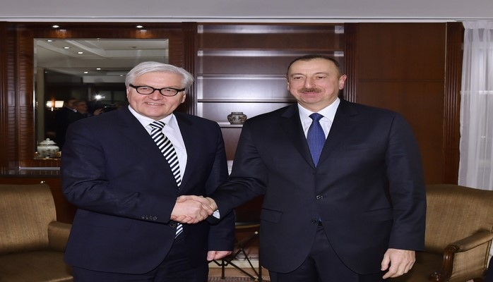 Ильхам Алиев поздравил президента Германии