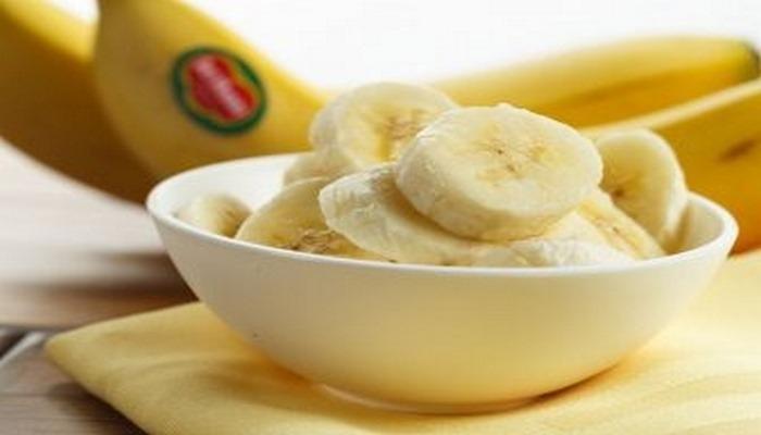 Медики рассказали, кому нельзя есть бананы