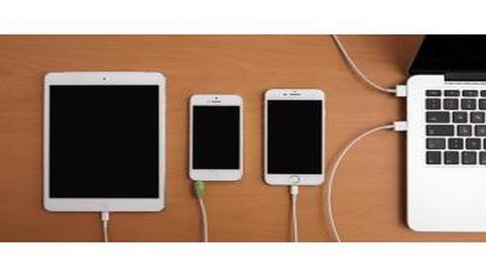 Ekspert smartfonun 100% enerji toplaması ilə bağlı təhlükəni izah edib