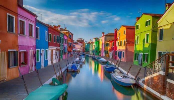 Burano - Venesiyanın parlaq rayonu