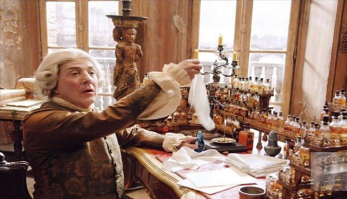 Испанские ученые разработали парфюм против запаха пожилых людей