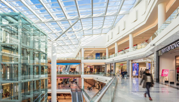 İri ticarət mərkəzləri və 'Mall'lar açıldı