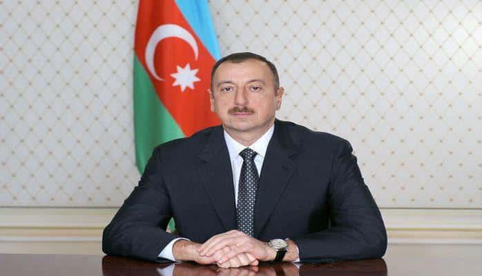 Ильхам Алиев поздравил пакистанского коллегу