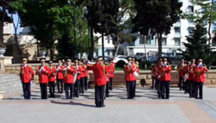 Завтра в Баку выступят военные оркестры