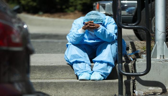Virusoloq dünyada yeni pandemiya təhlükəsi barədə xəbərdarlıq edib