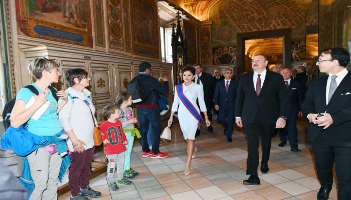 Prezident və Birinci vitse-prezident Vatikanda Sikstin Kapellası və Müqəddəs Pyotr Kilsəsi ilə tanış olublar