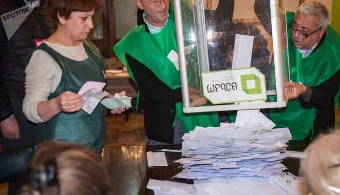 Gürcüstanda prezident seçkilərinin ikinci turu dekabrın 2-də keçirilə bilər