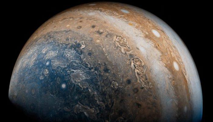 Магнитное поле Юпитера оказалось более сложным, чем предполагалось