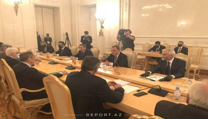 В Москве началась встреча глав МИД Азербайджана и России