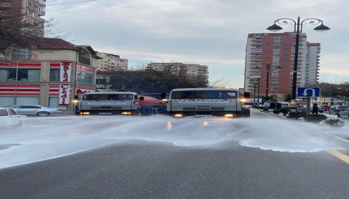 ИВ Баку: На бакинских дорогах используется новое моющее средство