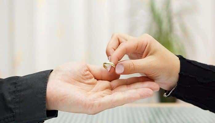 8 ayda 9877 boşanma - Azərbaycanda ailələr dağılır