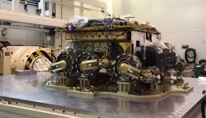 Marsın ekvatorial xəttinə robot yürüşçü göndərilə bilər