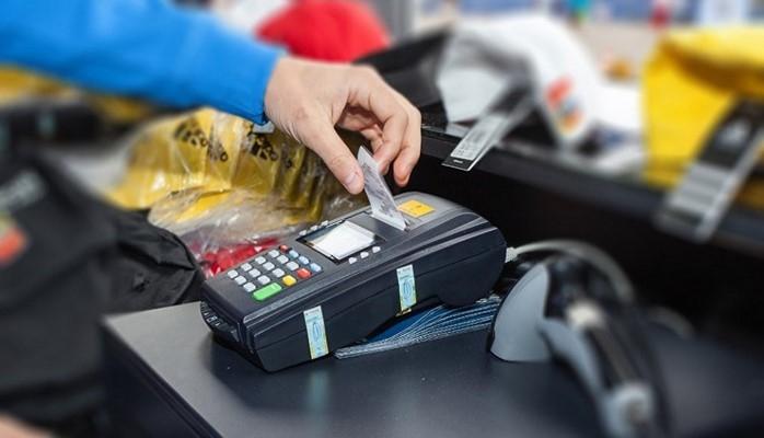 В Азербайджане существует необходимость в дополнительных рычагах для расширения безналичных платежей