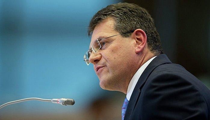Шефчович планирует в ближайшее время провести трехсторонку по газу