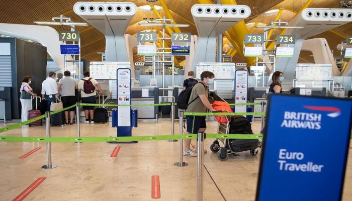 Британия вновь вводит карантин для прибывающих из Дании, Исландии и Словакии