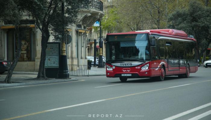 В Азербайджане общественный транспорт будет работать до 20:00